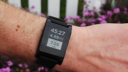Pebble-iPhone-Watch-Running