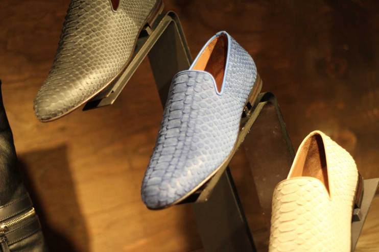 Jimmy-Choo-LCM-SS14-Presentation-Gold-Blue-Yellow-Slippers