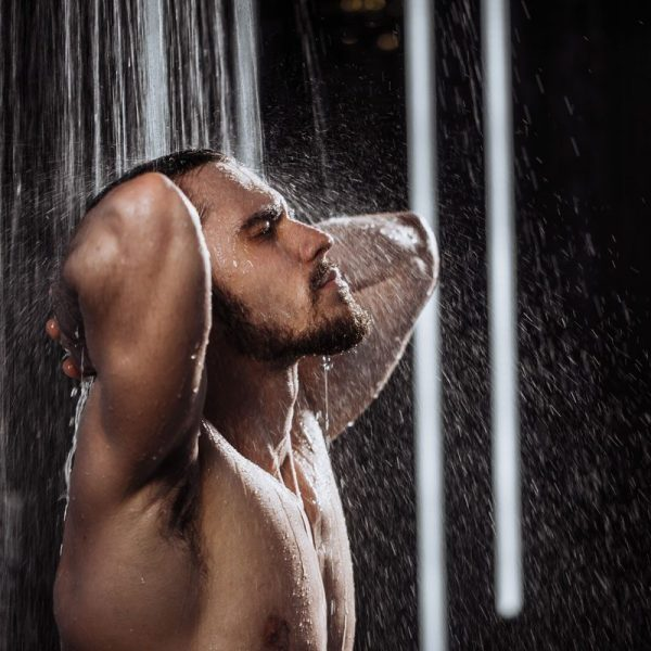 shower-hair-best-temperature-man-for-himself