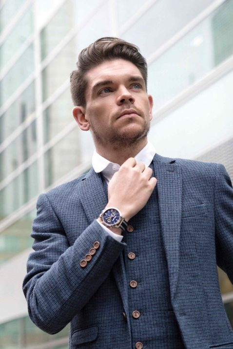mens-watches-style-man-for-himself--4