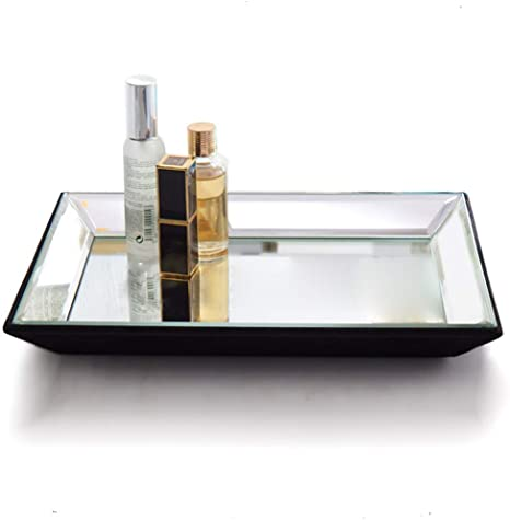 amazon-mirror-storage-tray-lifestyle-man-for-himself