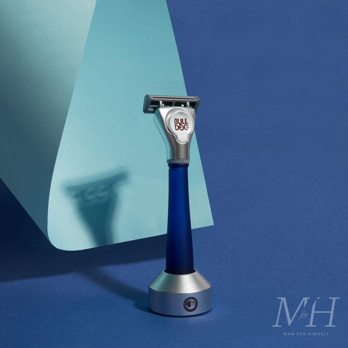 bulldog-skincare-glass-razor-blue-shaving-grooming-product-review-man-for-himself-2