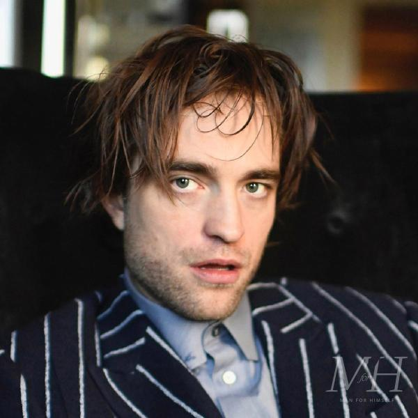 Robert Pattinson: Messy Medium Length Centre Parted Hairstyle