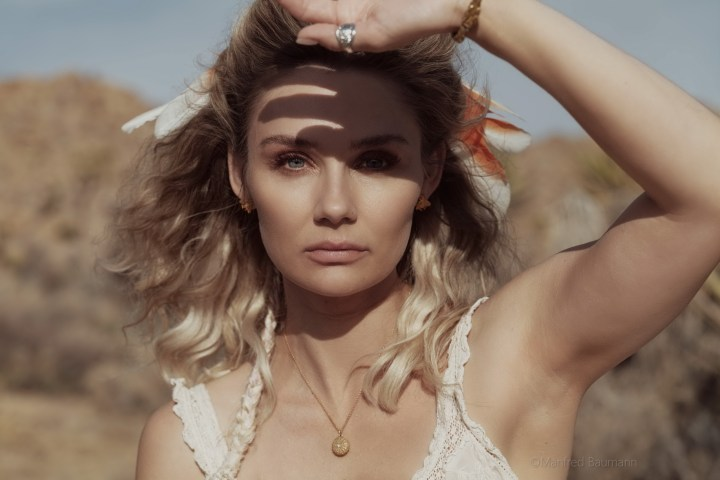 Clare Bowen 2020 by Manfred Baumann 01