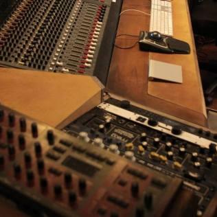 music studio ergonomic vintage wooden console square