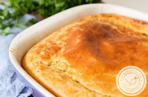 Torta de Cachorro Quente com Milho e Purê de Batata! Para um lanche com gostinho de infância.