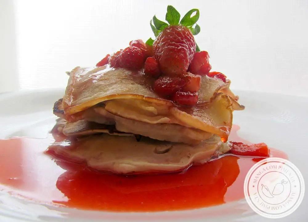 Panquecas de Morango | prepare um doce delicioso para as pessoas que você mais ama.