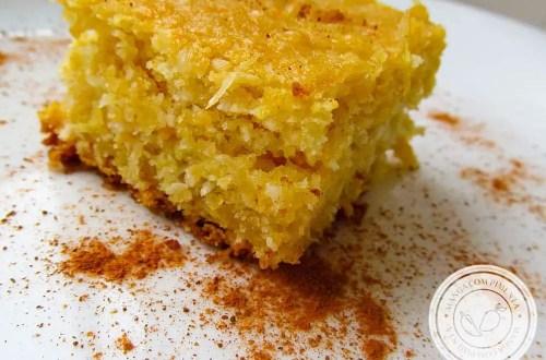 Bolo de Bagaço de Milho Verde com Coco - um delicioso prato para sua Festa Junina.