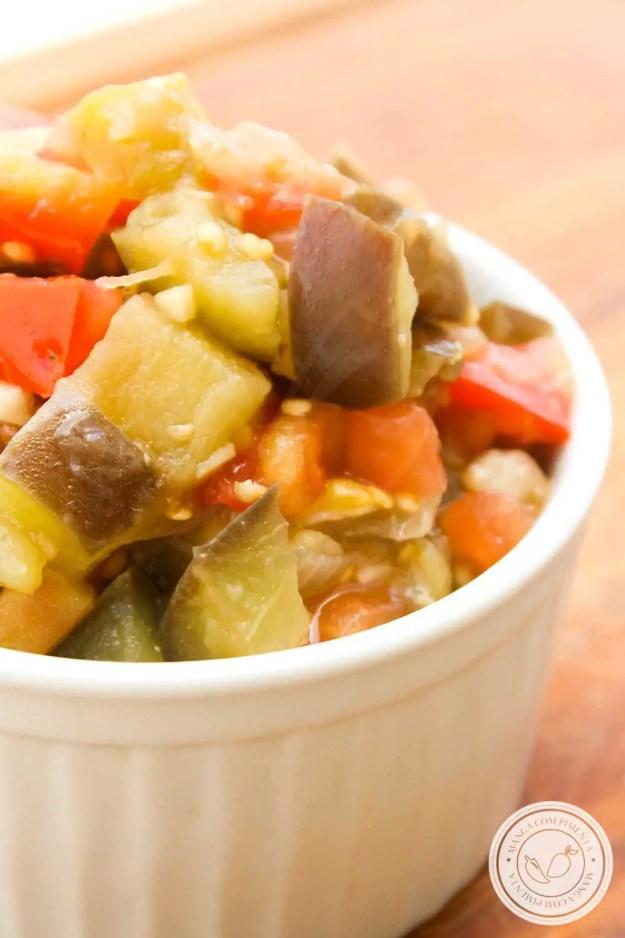 Receita de Antepastos de Berinjela - um prato nutritivo e delicioso para ter sempre na geladeira.