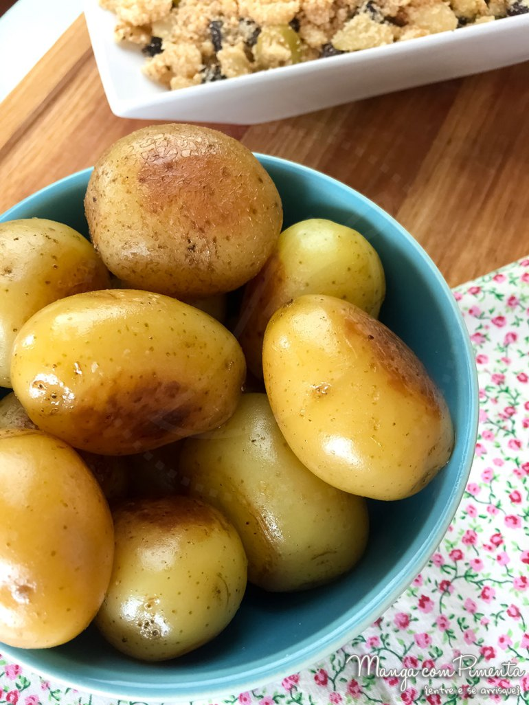 Farofa Natalina com Abacaxi e Batata Bolinha na Manteiga ou Azeite - Youtube