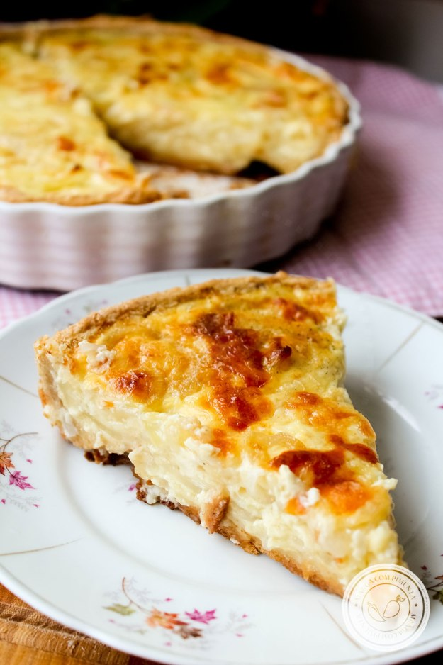 Receita de Torta de Cebola - um prato simples e delicioso para servir nas Festas de Final de ano ou no Final de Semana!
