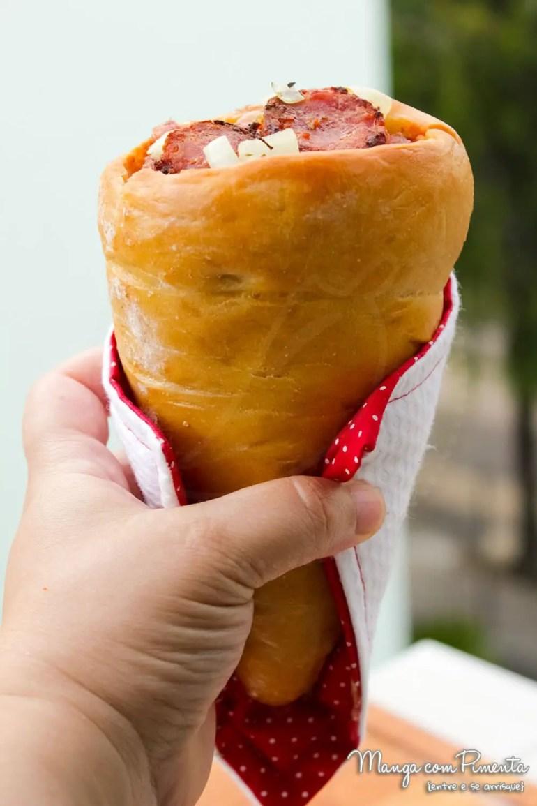 Receita de Pizza Cone de Calabresa com Cebola e Queijo