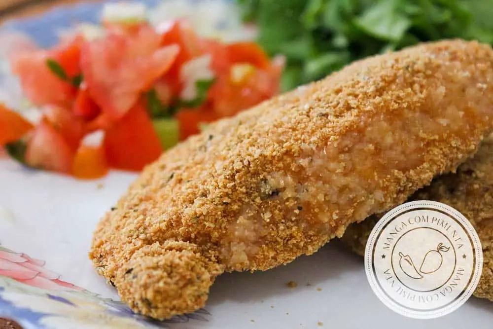 Frango à Milanesa no Forno - Aprenda a fazer esse filé delicioso para o almoço!