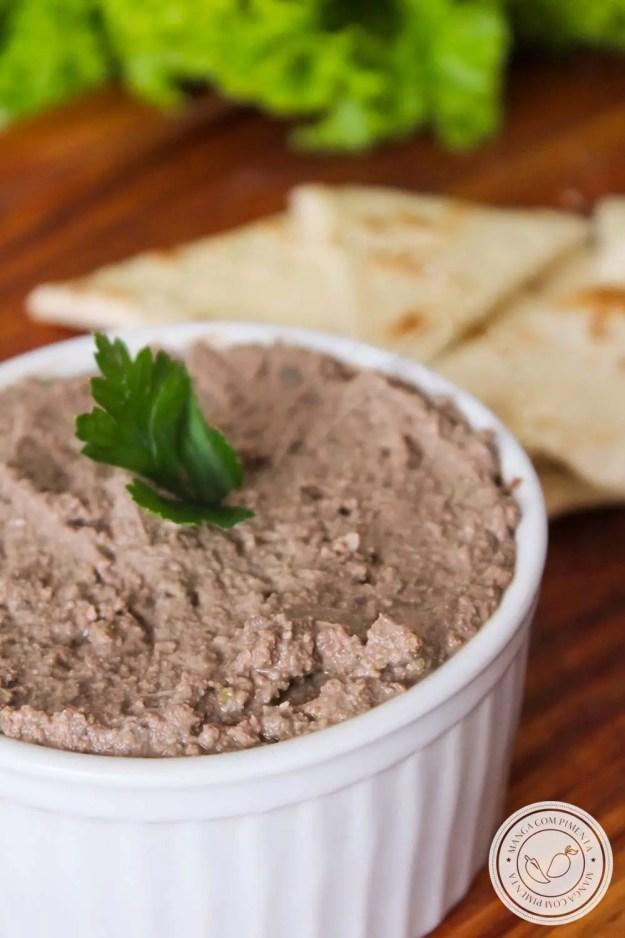 Patê de Fígado de Frango   Petisco delicioso e nutritivo, ótimo para criançada e para quem está grávida ou amamentando.