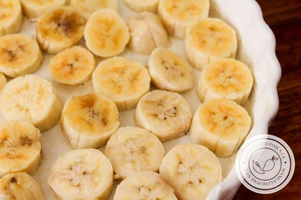Torta de Banana Preguiçosa   Fácil de fazer e delicioso de comer, prepare para o chá da tarde!