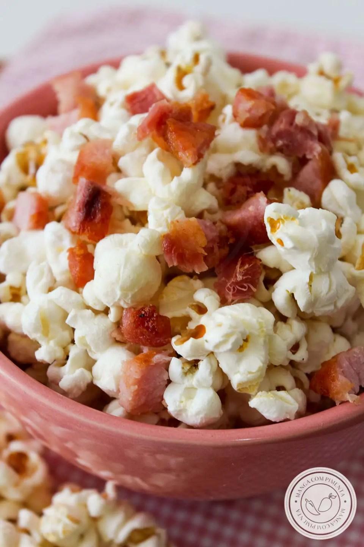 Pipoca com Bacon - dê mais sabor ao seu petisco na hora do Jogo da Copa.