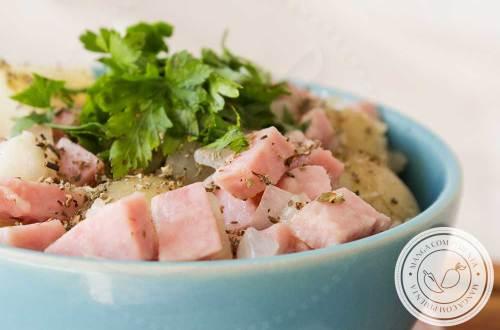 Receita de Batatas com Presunto e Cebola - um acompanhamento delicioso para o almoço da semana!