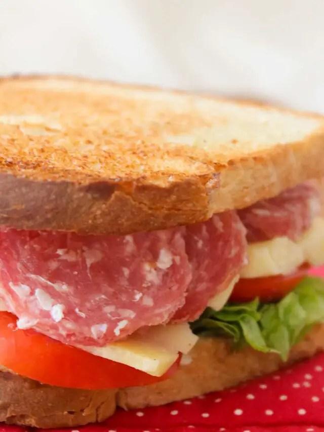Sanduíche de Salame e Queijo Delicioso