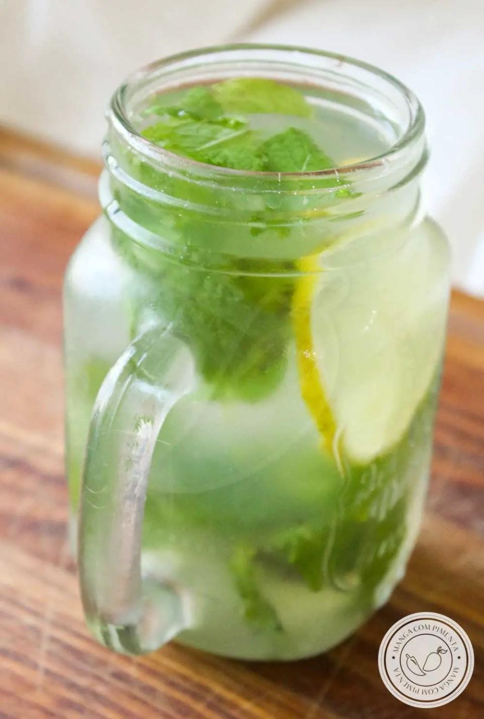 Receita de Suco de Limão com Mel e Hortelã - uma bebida para melhorar a saúde, prepare também nos dias frios!