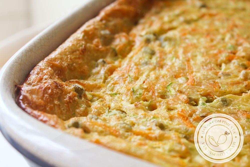 Receita de Gratinado de Abobrinha com Cenoura e Ervilhas - prepare para servir com salada e arroz na semana!