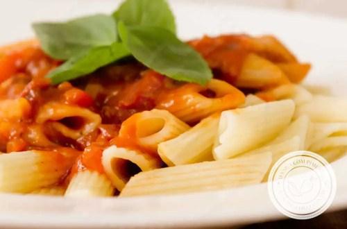 Receita de Penne ao Pomodoro - prepare um clássico simples e delicioso na sua casa!