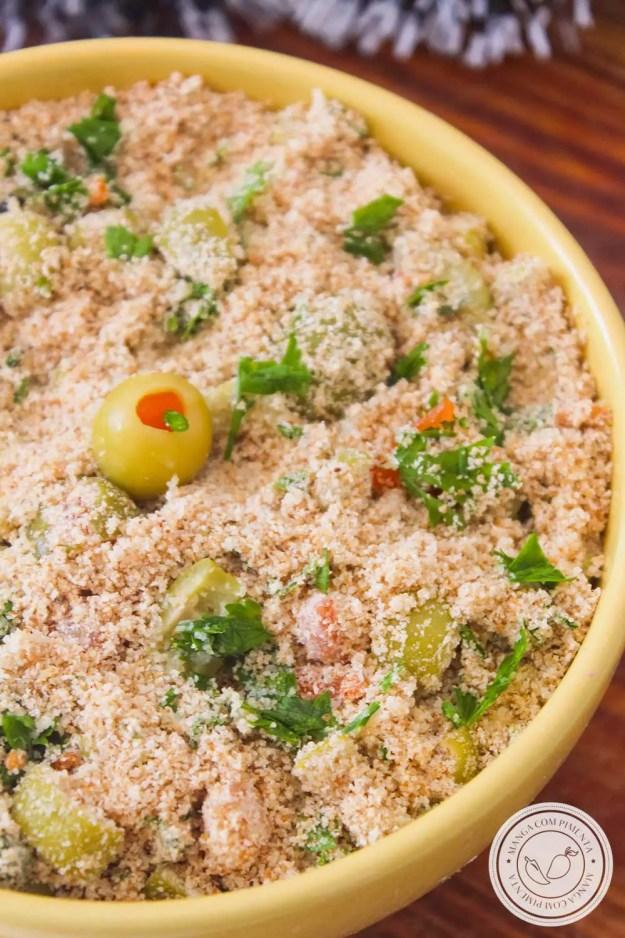 Receita de Farofa de Azeitonas - para acompanhar um assado no almoço de domingo ou nas festas de final de ano.
