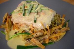 Suprême de poisson à la julienne de légumes et au safran