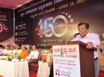 039 Dr N Vinay Hegde Addressing the gathering