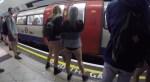 Podívejte se, jak to vypadalo v londýnském metru při letošní jízdě bez kalhot [video]