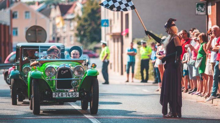 O víkendu do Kutné Hory za veterány i na koncert O5ARADEČEK a Děda Mládek Illegal Band