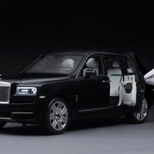 model-Rolls-Royce-Cullinan- (1)