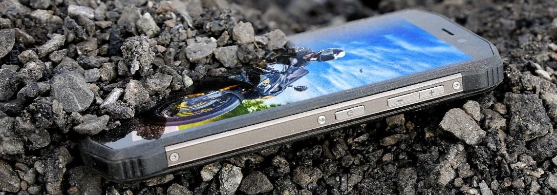 EVOLVEO StrongPhone G5 je odolný, ale i velmi vybavený telefon