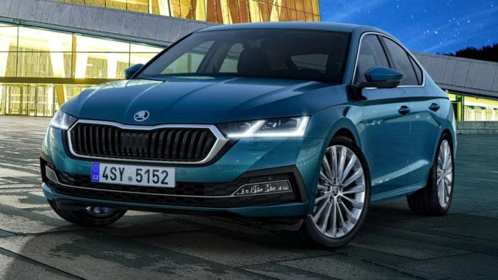 Zaujme vás svým designem i schopnostmi. Právě přijíždí nová Škoda Octavia IV