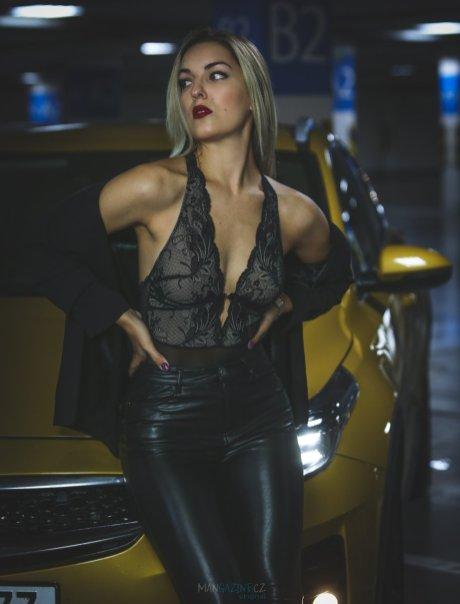 cara-loves-lingerie-kia-xceed-mangazine_cz-original- (4)