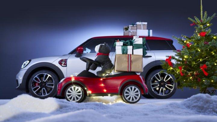 Máte rádi MINI? Máme pro vás tipy na vánoční dárky pro malé i velké