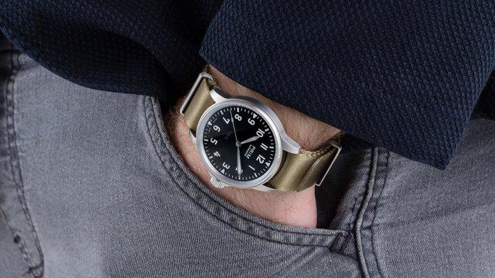 Nový model hodinek PRIM OK-A potěší fanoušky letectví