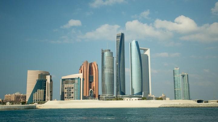 Spojené arabské emiráty vítají turisty. Kam ještě míří Češi oslavit Vánoce a Silvestra?