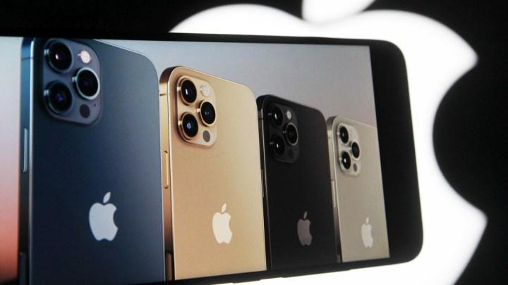 Apple nestíhá vyrábět. O iPhony 12 je obrovský zájem