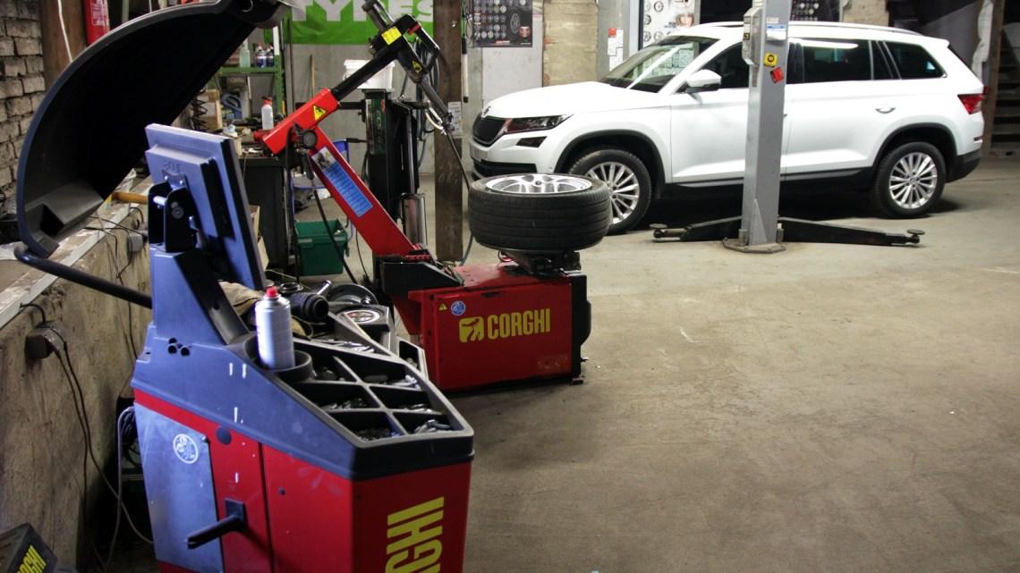 Přezutí na letní pneumatiky v době epidemických opatření? Jde to i z domova