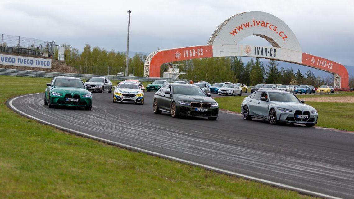 Na mosteckém okruhu se konal již pátý BMW M Day. Přijelo na 70 vozů BMW M