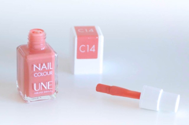 Manucure UNE NATURAL BEAUTY - MangeBrilleAime