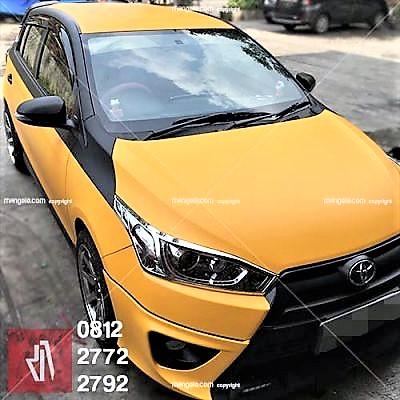 wrapping stiker mobil bandung yaris kuning | 081227722792 golden yellow doff