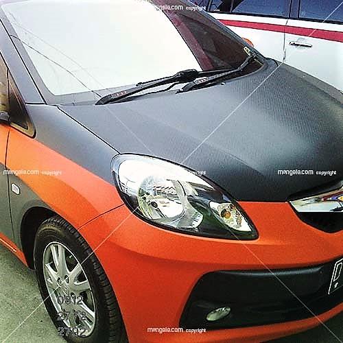 wrapping sticker full body mobil di bandung | honda brio orange-abu