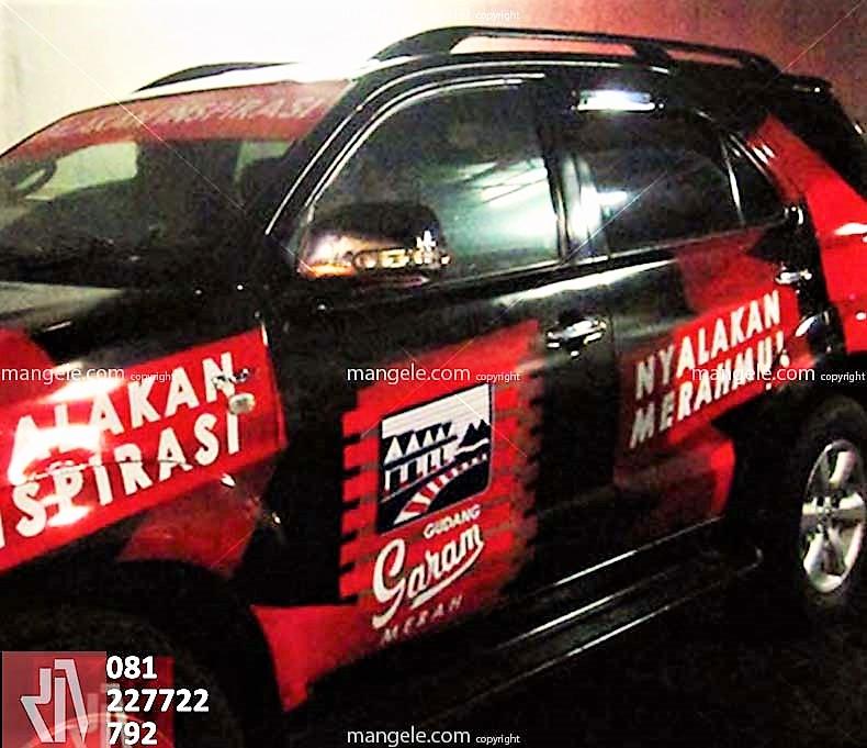 stiker mobil di bandung   car branding gudang garam   mangele sticker