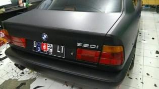 stiker-mobil-bandung-bmw-hitam-doff-mangele
