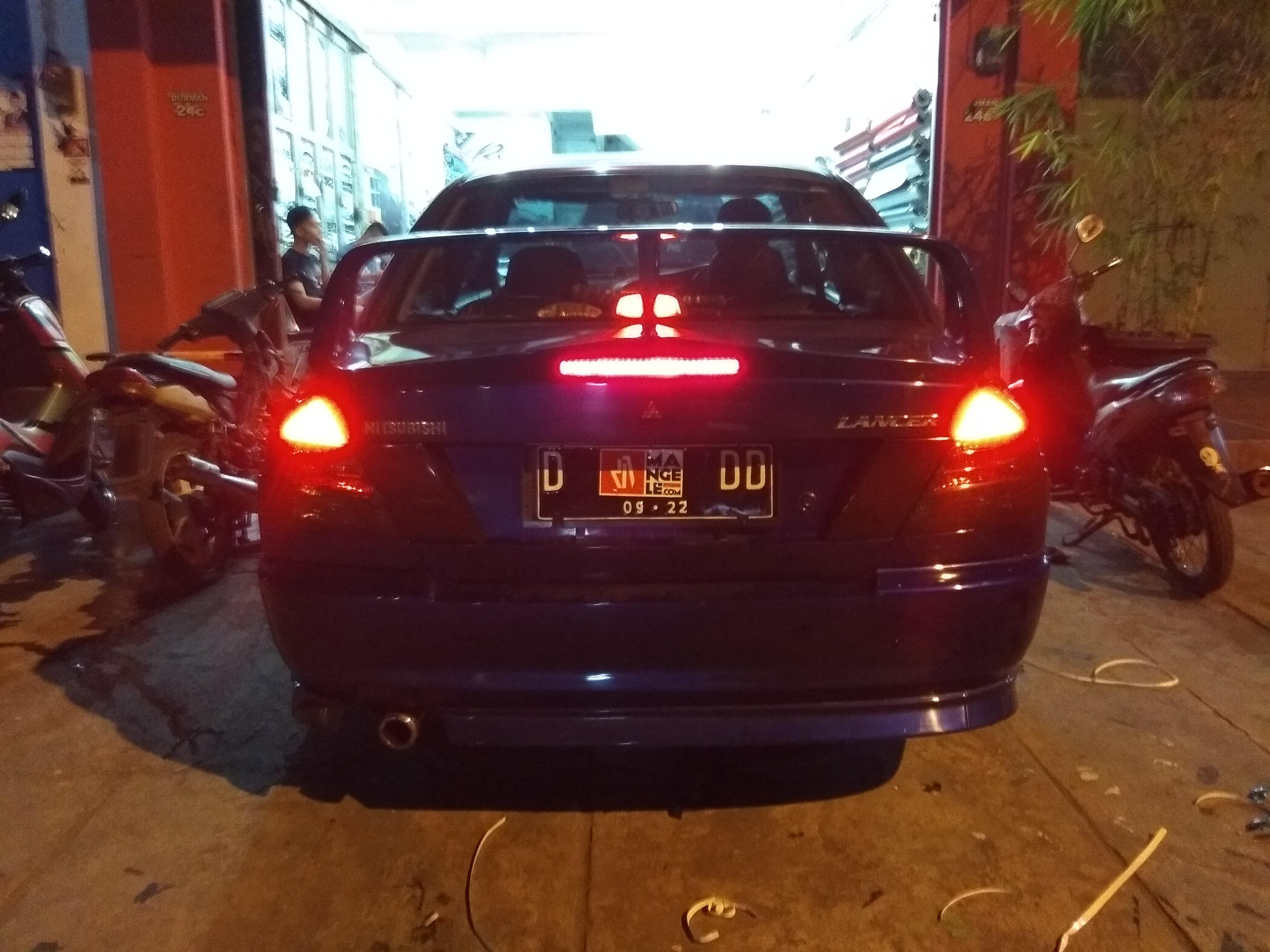 lancer lampu belakang smoke hitam gloss bumper bawah hitam doff mangele stiker