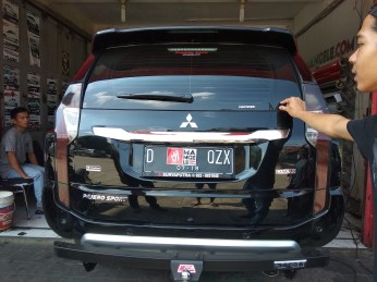 pajero lampu smoke hitam gloss variasi chrome wings hitam doff