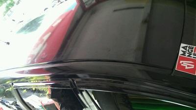 stiker-mobil-bandung-atap-molding-hitam-gloss-oracal-mangele