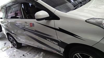 cutting stiker mobil   cutting xenia di Bandung   mangele stiker 081227722792
