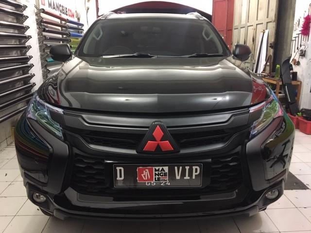 wrapping sticker mobil pajero bandung | chrome delete hitam doff variasi stiker lampu smoke keren